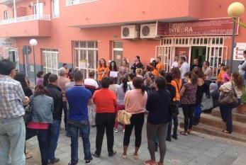 Servicios Sociales reclama una PCI digna uniéndose a la 'marea naranja'