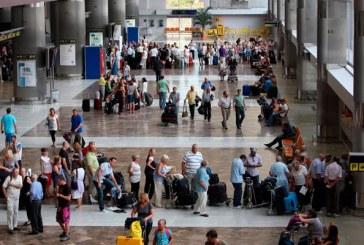 Tres personas detenidas en el Aeropuerto del Sur por robar el equipaje a pasajeros
