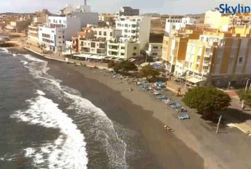 El estado de la Playa de El Médano a través de dos webcam