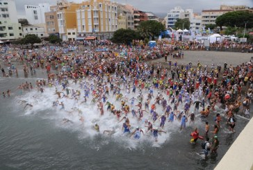 El 'Triatlón de El Médano' celebró su 20ª edición