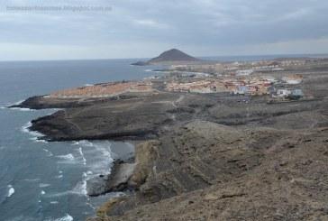 Vecinos y usuarios de las playas de El Médano 'indignados' contra los vertidos de aguas fecales