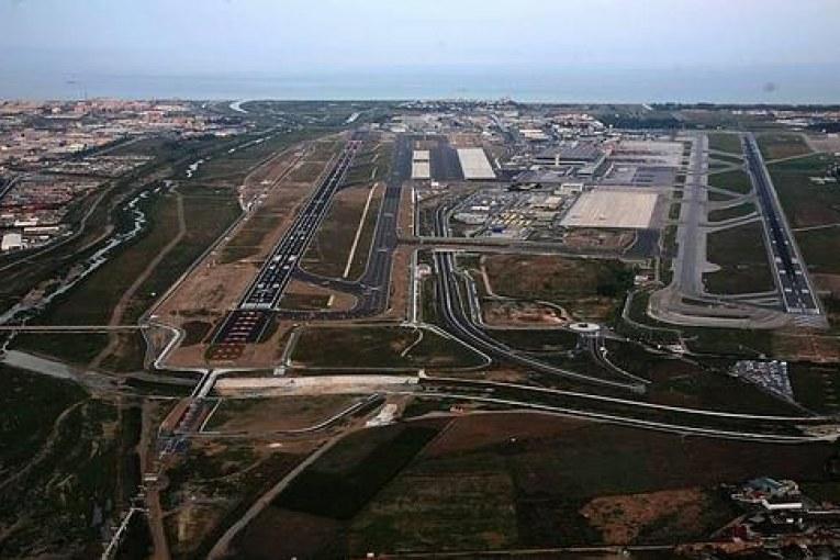 Sobre la 2ª pista del Aeropuerto Tenerife Sur – Reina Sofía (IV): El 'caso' del aeropuerto de Málaga
