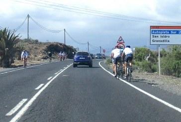El peligro para los ciclistas que circulan por la carretera TF-64 en su tramo El Médano – San Isidro
