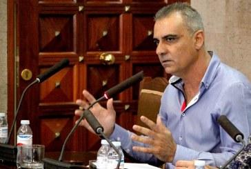 Según Juan Rodríguez Bello, el tripartito 'okupa' sólo está unido por el reparto de los sillones
