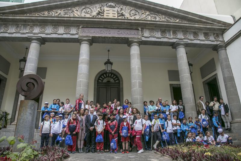 El pleno infantil del Parlamento de Canarias 'Diputad@s por un día' pidió que no se construya un hotel en La Tejita