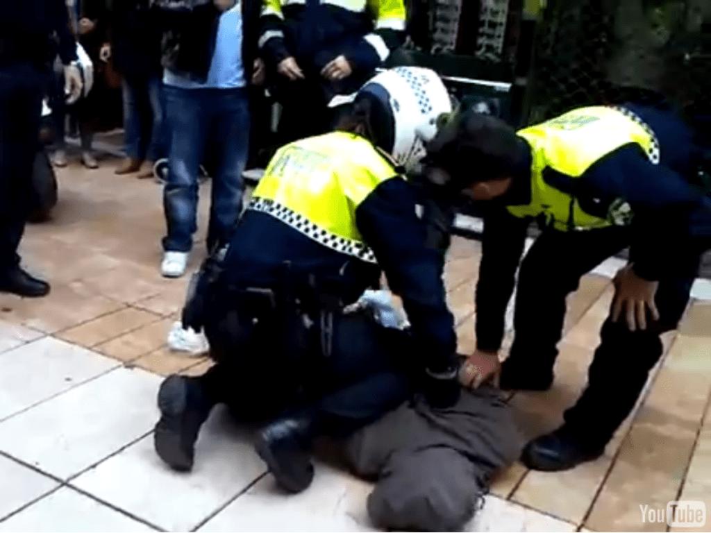 Tres peligrosos delincuentes fueron detenidos por la Policía Local cuando desvalijaban un bar en Los Abrigos