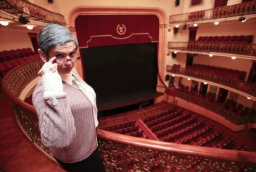 La obra de teatro 'La profesora Rosalba Scholasticus' de la compañía Zálatta Teatro, este sábado en la Casa de la Cultura de San Isidro