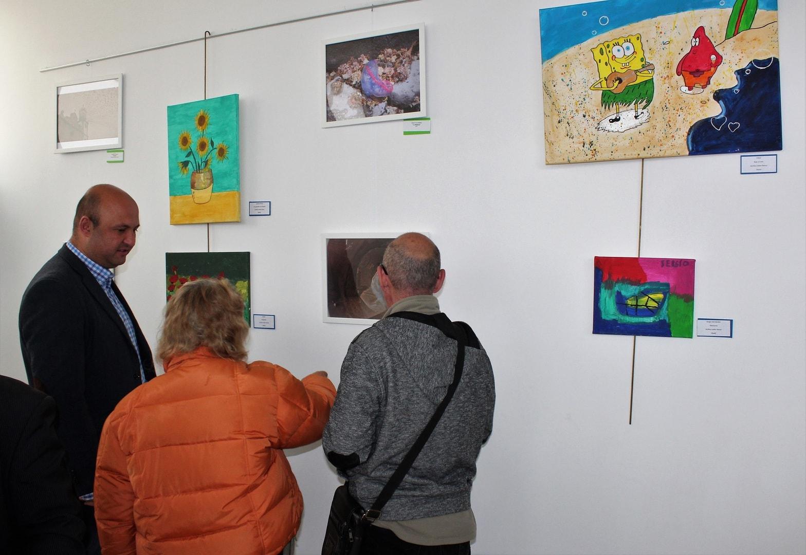 Exposición de los trabajos de fotografía y pintura de ATELSAM Sur, hasta este viernes en San Isidro