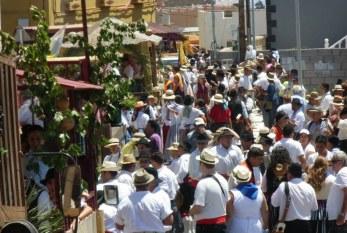 Charco del Pino en plena celebración de sus fiestas en honor a San Luis Rey