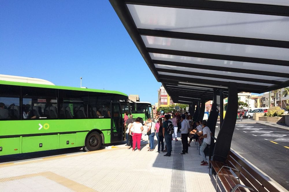 Los números de la nueva 'parada preferente de guaguas' de San Isidro