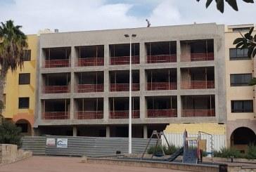 26 familias reclaman la propiedad de un edificio que otro promotor está terminando de ejecutar