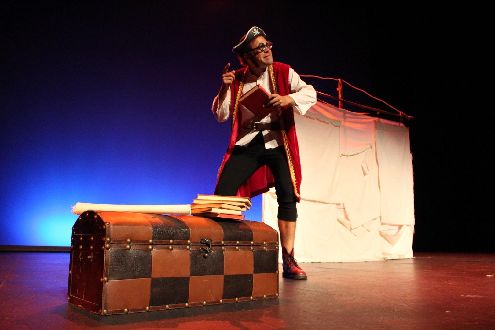 La obra de teatro 'Piratas Ilustrados' del ciclo 'Granadilla sube el telón', este sábado en San Isidro