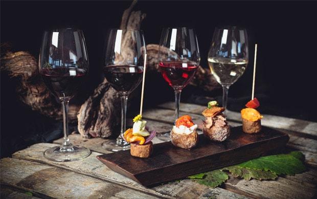 Resultado de imagen de tapas y vinos