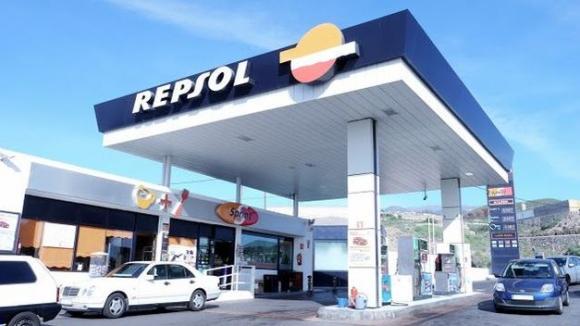Resultado de imagen de La gasolinera de Granadilla reparte suerte por tercer año consecutivo