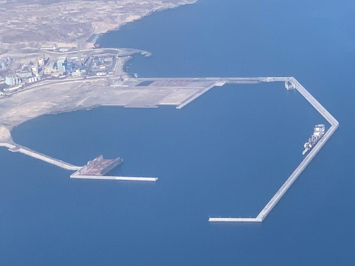 "Abubukaka on Twitter: ""Una imagen aérea muy curiosa del Puerto de ..."